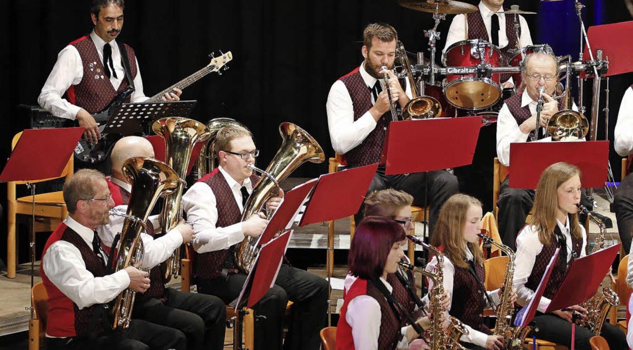 Gemischtes Alter, gemischtes Repertoire: MV Wittelbach   | Foto: h. fössel