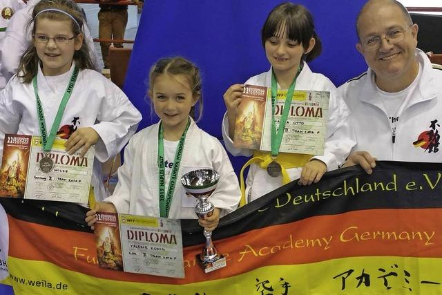 15 Medaillen für Karateka aus dem Wiesental bei EM