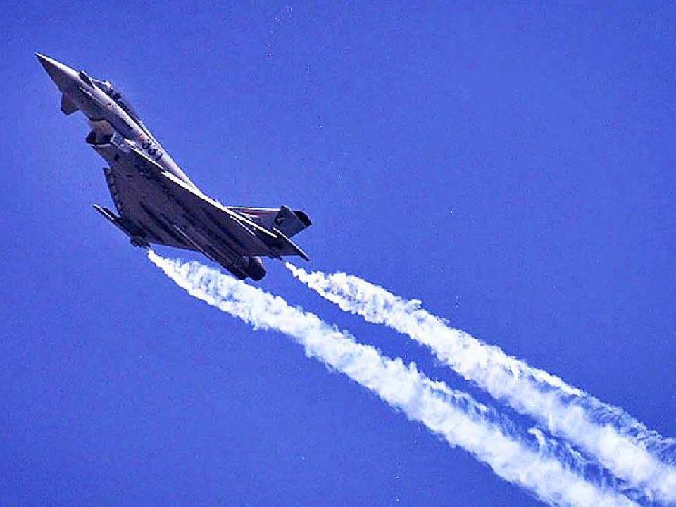 Im Eurofighter steckt Navigationstechnik aus Freiburg.   | Foto: DPA