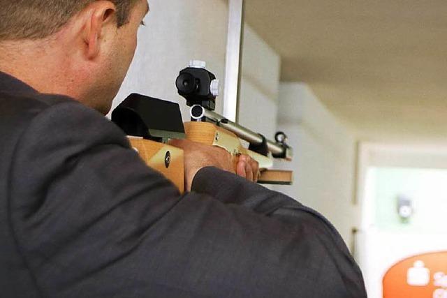 Neues Lasergewehr: Sportschützenverein kooperiert mit Schule