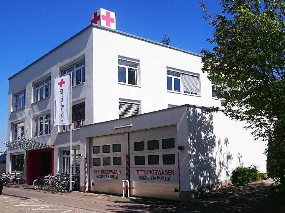 Die Rettungswache in der Freiburger Dunantstraße.    Foto: David Eickhoff