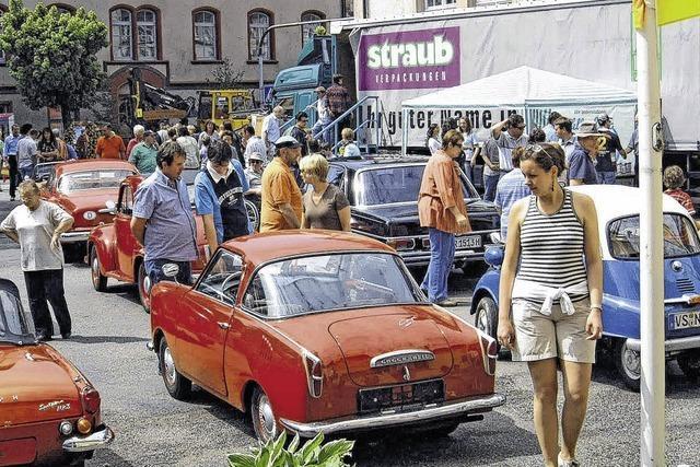 Gewerbe trifft Oldtimer-Fahrzeuge