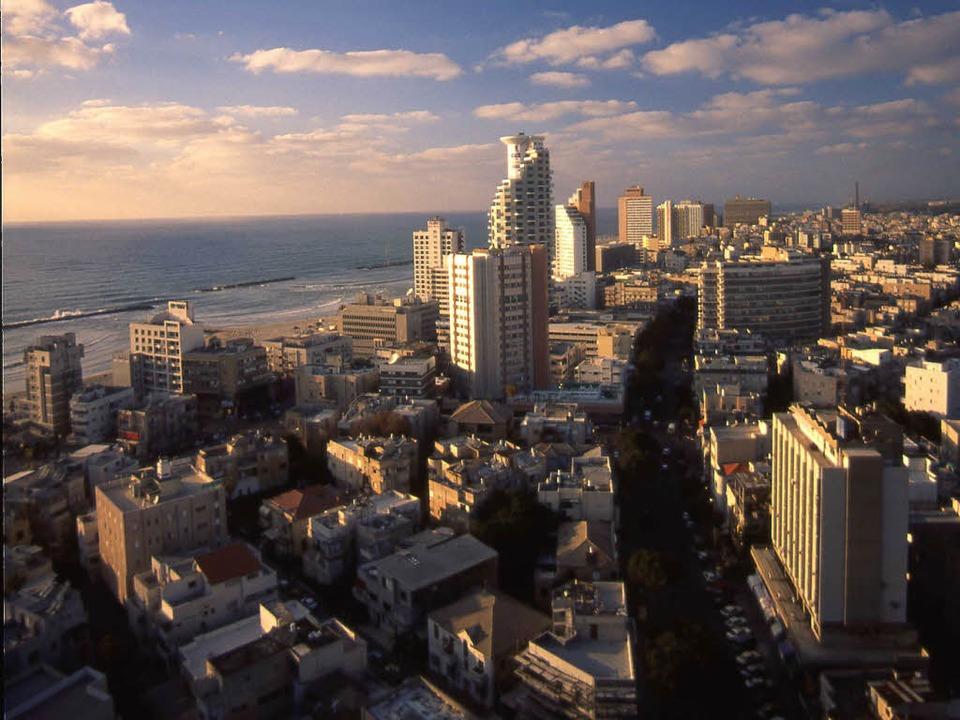 Tel Aviv von oben  – seit Jahren...rschaft gibt's jetzt doch nicht.  | Foto: privat