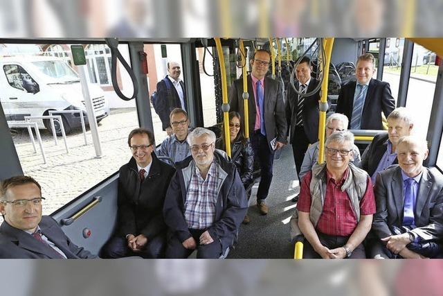 Freie Fahrt für den Riedbus und Hoffnung auf viele Fahrgäste