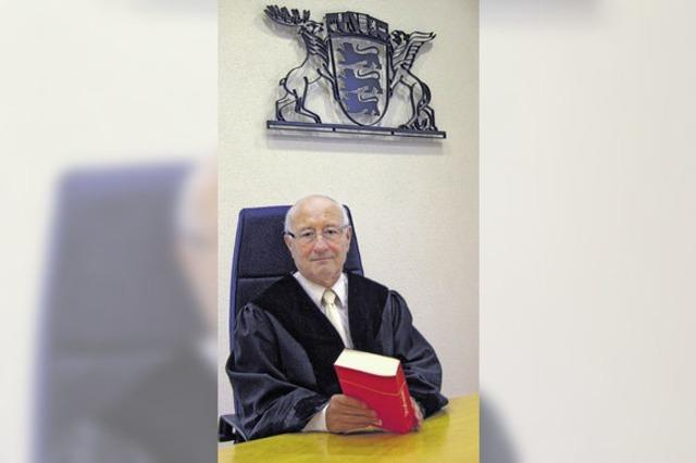 Richter Jockers zieht die Robe aus