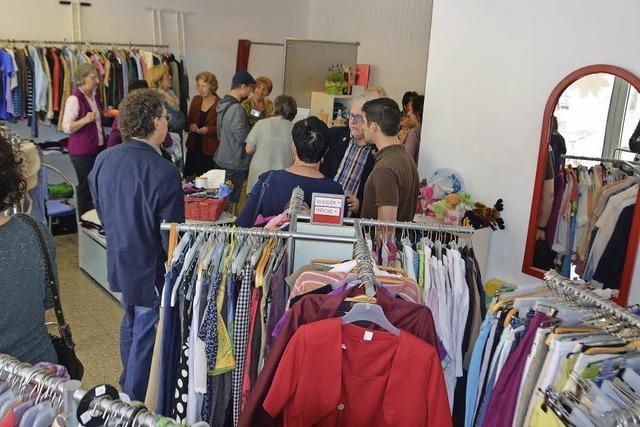 Bürger helfen Bürgern: mit Kleidung