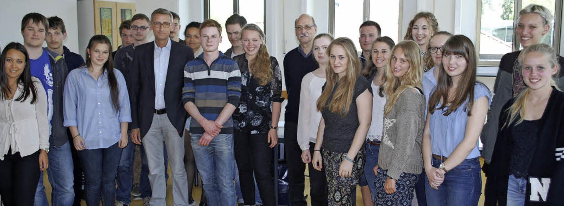 Der CDU-Bundestagsabgeordnete Armin Sc...üchtlingspolitik war ein Schwerpunkt.   | Foto: thomas loisl Mink