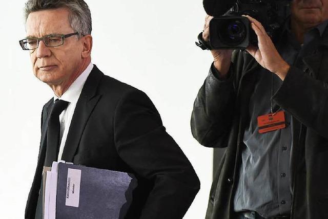 Thomas de Maizière: Politbeamter unter Druck
