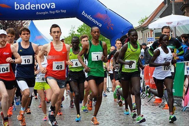 Kenianische Läufergruppe ist beim Stadtlauf konkurrenzlos