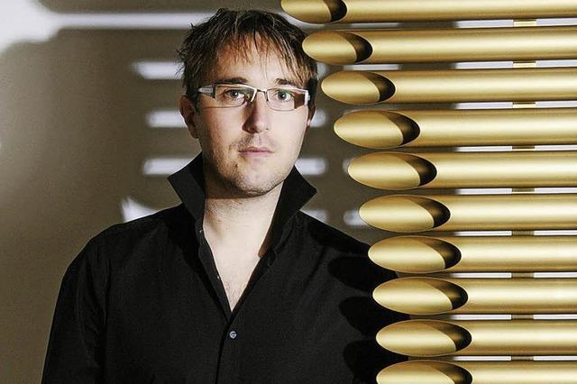 Der Schlagzeuger Sven Kiefer spielt in Niederrotweil