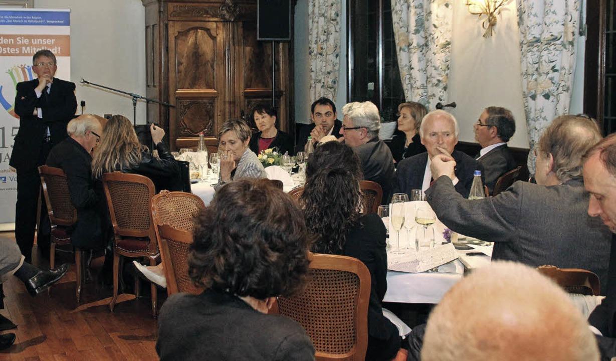 """Referat und Diskussion im """"Aigle..."""" bei den Ersteiner Gesprächen.     Foto: erika sieberts"""