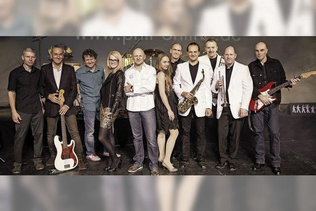 Die Band Phil tritt im Schloss Reinach in Freiburg-Munzingen auf