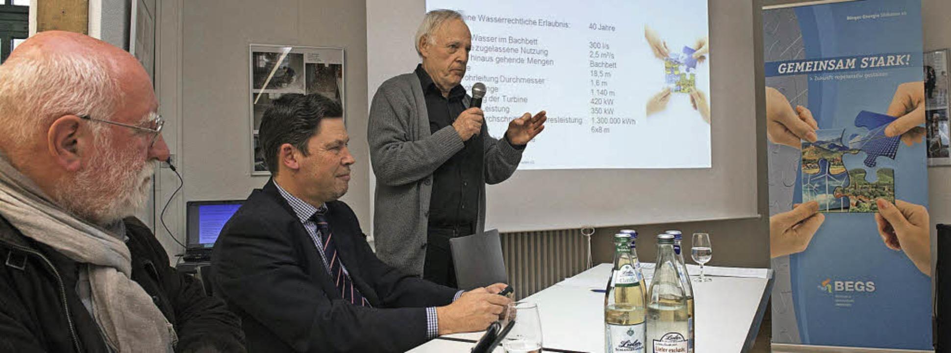 Über den Stand der Arbeiten für das ne...er BEGS und Betreiber Herbert Kaiser.   | Foto: V. Münch