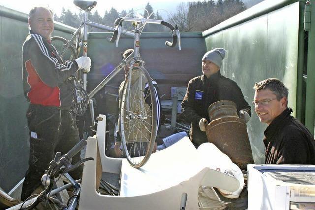 AH-Kicker sammeln drei Tonnen Altmetall