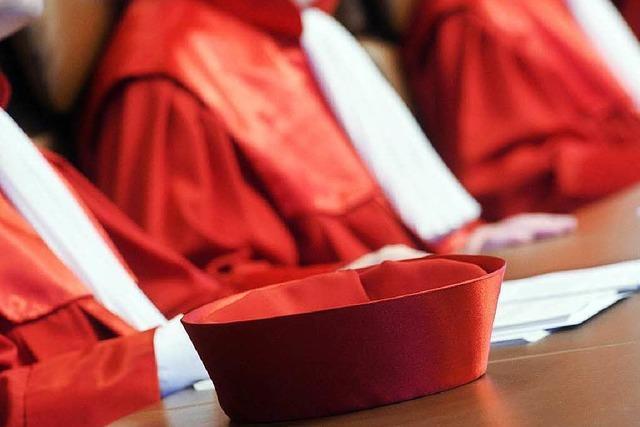 Karlsruhe verlangt angemessene Bezahlung für Richter