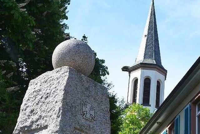 Schlagabtausch vor dem Bürgerentscheid um das Kriegerdenkmal