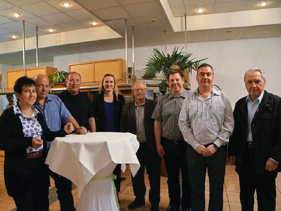Der Vorstand des Gewerbevereins macht in bewährter Besetzung weiter.    Foto: Ingrid Böhm-Jacob