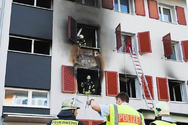 Lörrach: Verletzte bei Brand in Mehrfamilienhaus