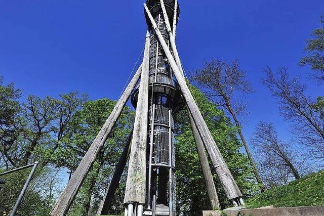 Stadt droht mit dem Abbau des Schlossbergturms