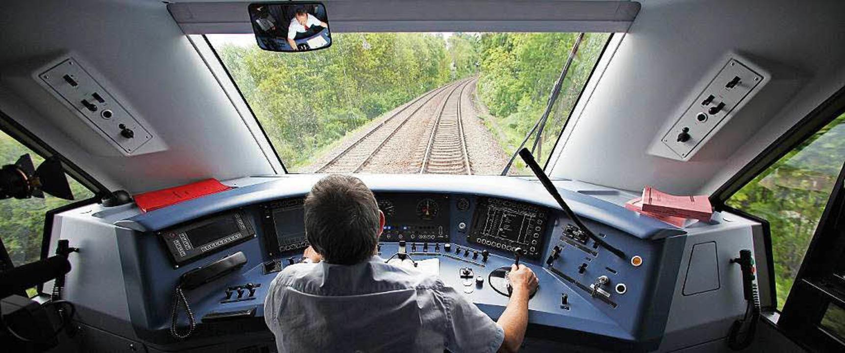 In Zukunft womöglich leer: der Führerstand im Zug    Foto: Jan Woitas
