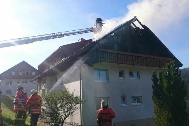 Dach eines Wohnhauses in Schluchsee in Brand – hoher Schaden