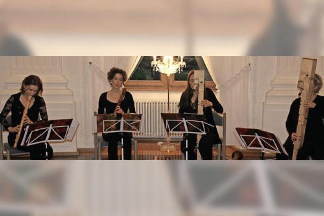 Klassische und moderne Flöten erklingen im Festsaal des Kollegs