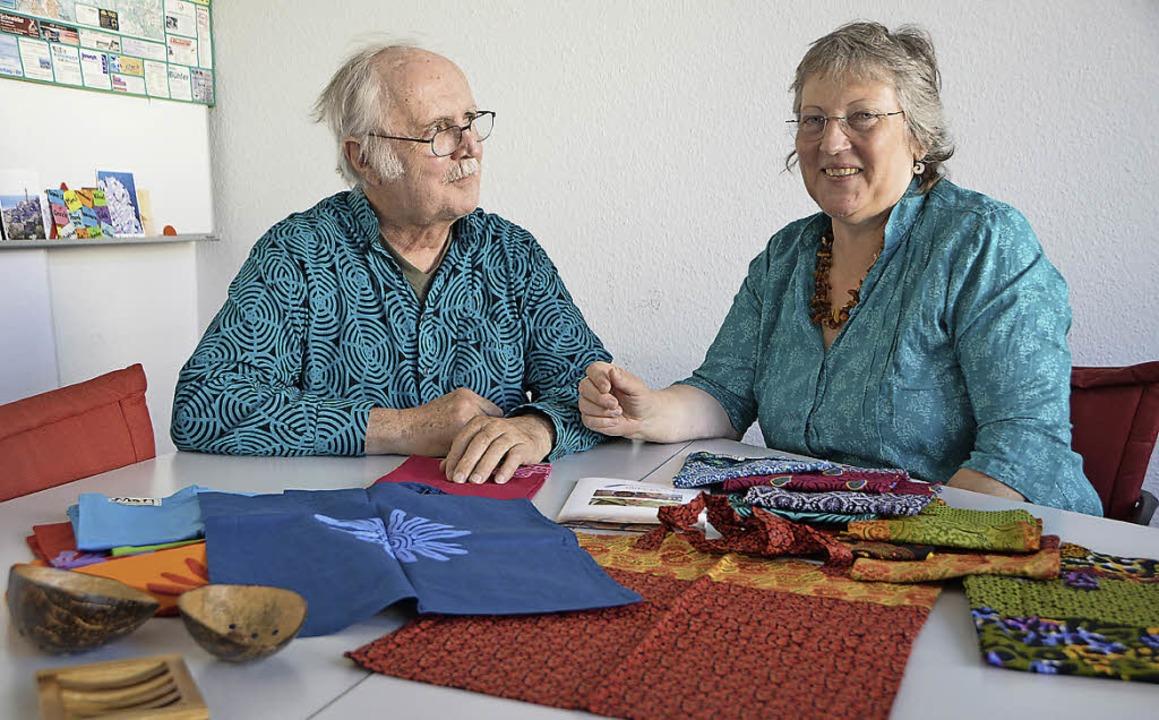 Bunte Wendetaschen, produziert von Näh...n Peter Haas und  Bettina Mühlen-Haas.  | Foto: Privat/Walser
