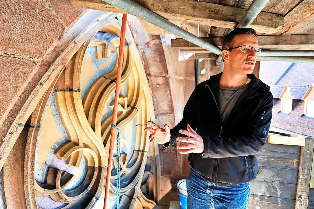 Hüttenmeister Uwe Zäh an der Musterachse der Chorbaustelle  | Foto: Thomas Kunz