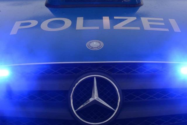Straftäter springt bei Laufenburg aus Polizeiauto und flüchtet