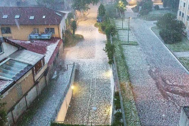Schweres Unwetter über Südbaden – Zwei Verletzte nach Blitzeinschlag in Freiburg