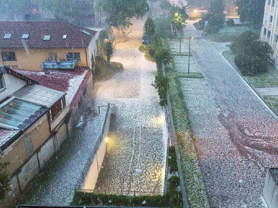 Das Unwetter im Freiburger Stadtteil Stühlinger    Foto: Carlotta Huber