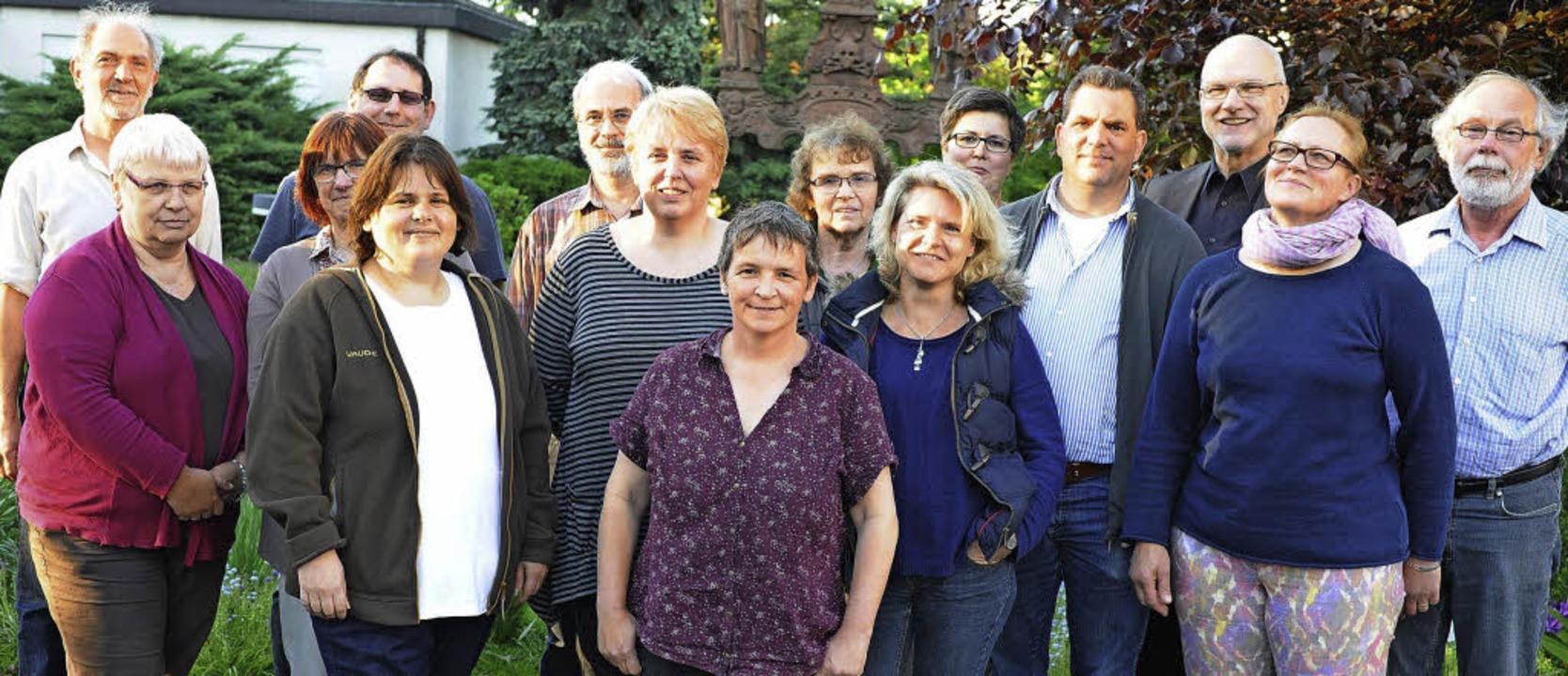 Der  neue Pfarrgemeinderat der Seelsor...t (Sulz) und Carina Weber (Mahlberg).   | Foto: Privat