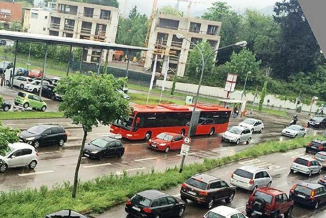 Verkehrschaos im gesamten Freiburger Stadtgebiet