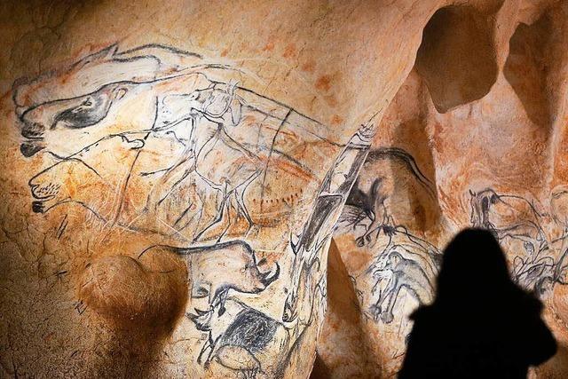 Steinzeit für alle im Nachbau der Grotte Chauvet