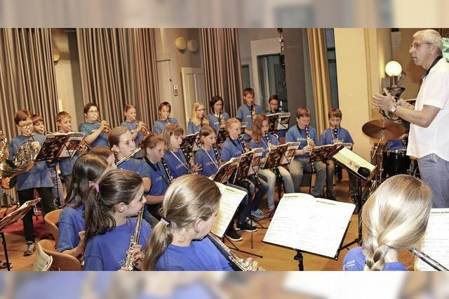 Flötentöne, Posaunenklänge, Applaus