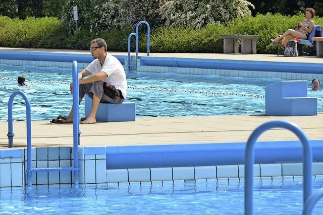Schönes Schwimmwetter zum Start in die Saison