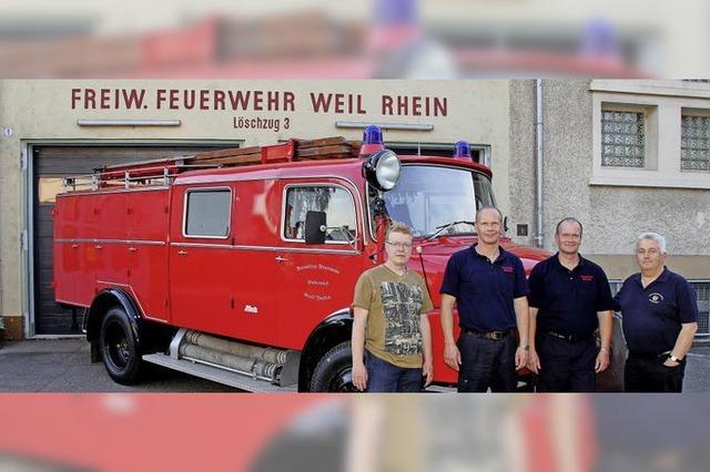 Das Friedlinger Löschfahrzeug auf Stippvisite in der alten Heimat