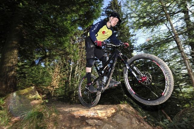 Neuer Kybfelsen-Trail: Mountainbiker verletzt sich schwer