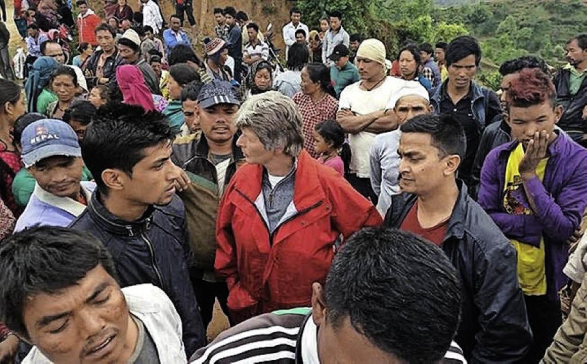 Überall in Nepal warten viele Menschen auf die Helfer.   | Foto: zVg