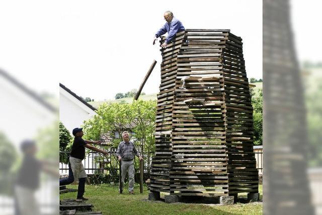 Neuer Turm aus alten Dauben