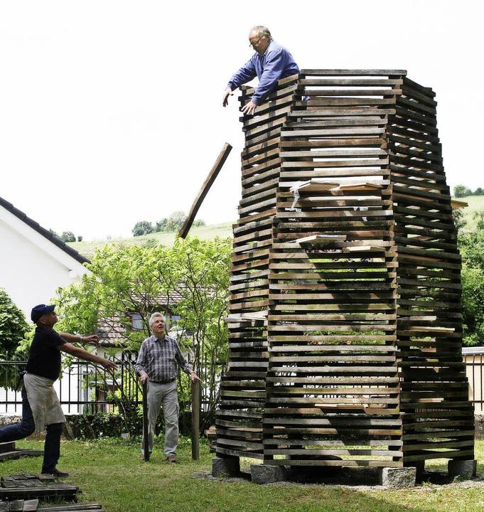 Während der Aufbauphase mussten die Da...erden, wo sie Wolfgang Sprich auffing.  | Foto: Cremer