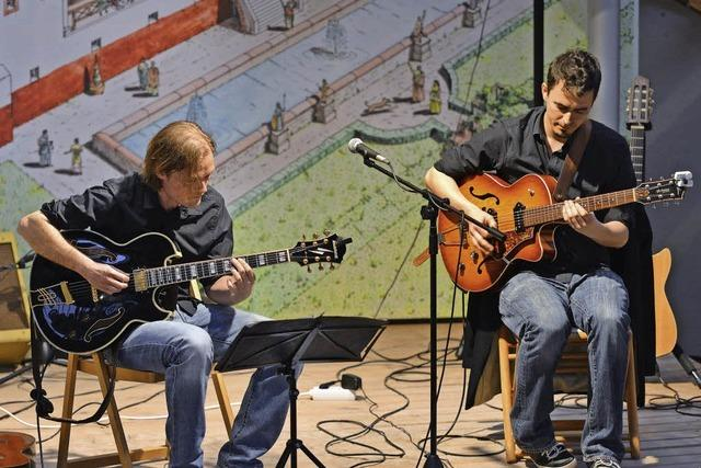 Zwei Gitarren, volles Haus