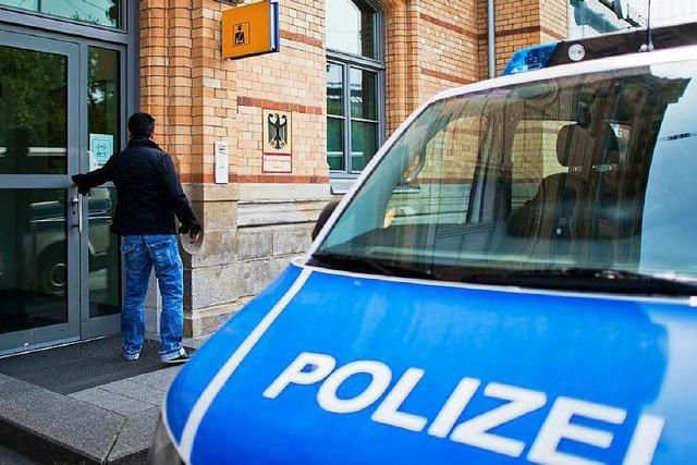 Flüchtlinge offenbar von Bundespolizist misshandelt