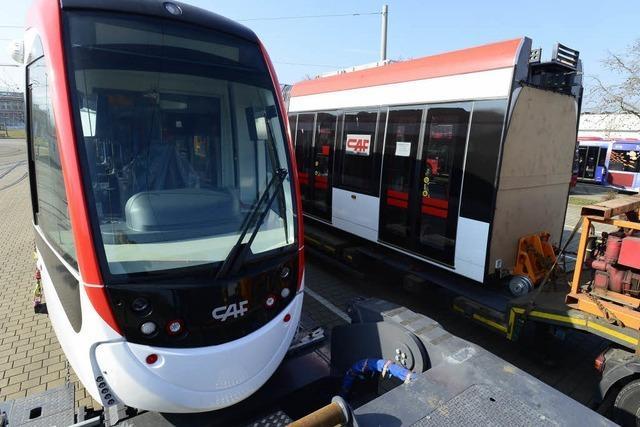 Start von Freiburgs neuer Tram-Flotte verschoben