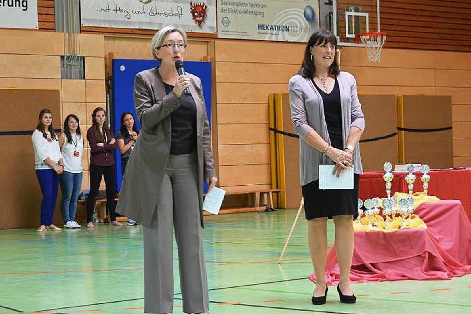 Bürgermeisterin Astrid Siemens-Knoblich und Turnierleitung Gaby Döhla (Foto: Sarah Minarik)