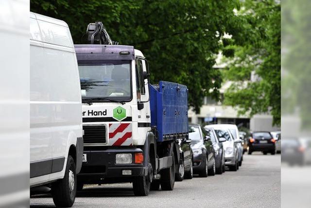 Parkende Laster im Wohngebiet nerven die Landwasseraner