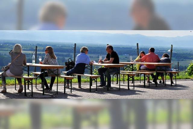Viele fachkundige Besucher bei der Ihringer Weinkost