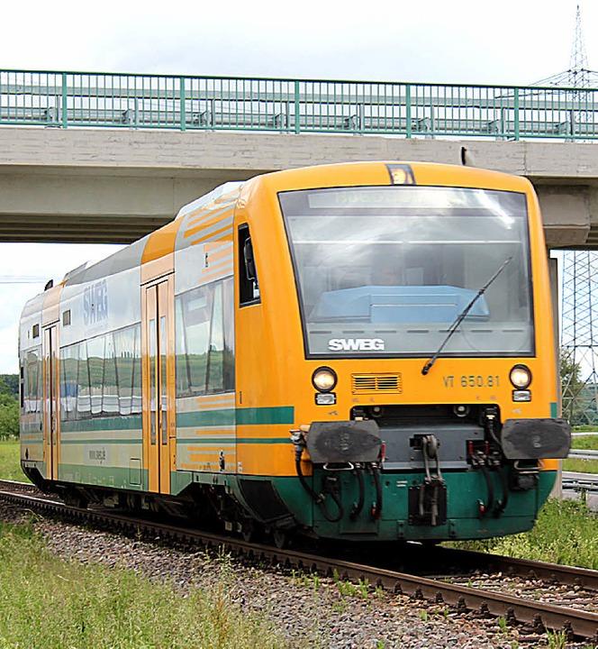 Um die Kaiserstuhlbahn elektrifizieren...cke bei Gottenheim abgesenkt werden.    | Foto: Schöneberg