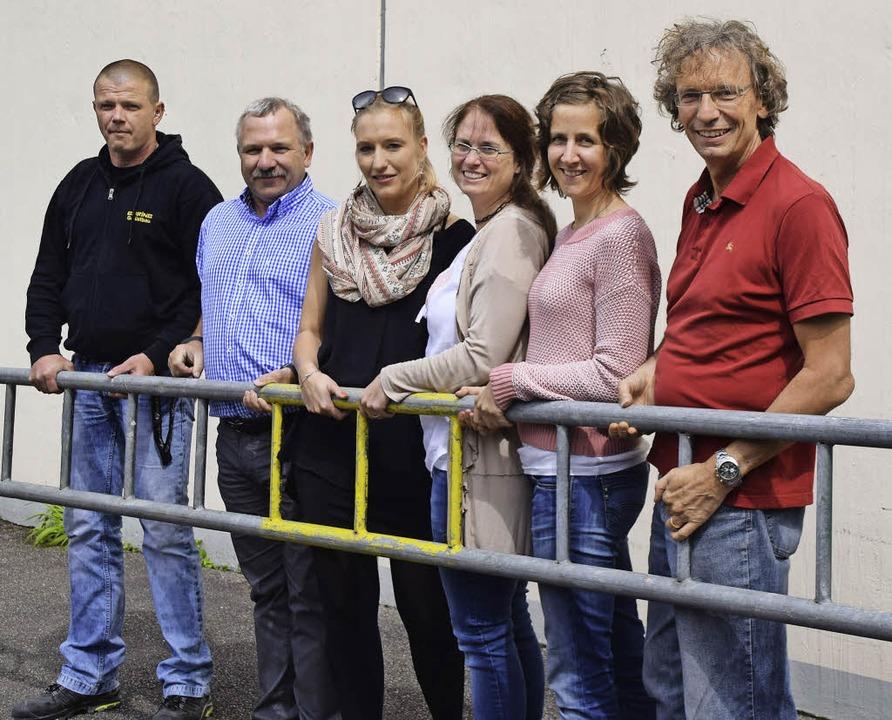 Arbeiten zusammen am Bühnenbild: Gerüs... und Musiklehrer des LMG Thomas Vogt.   | Foto: Sarah Nöltner