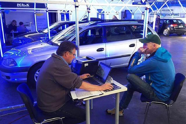 Zerdellte Autos nach Hagel-Unwetter: Ansturm auf Sammelstellen